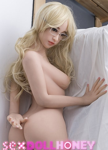 10 Petite Sex Dolls Who are Flat-Chested Teen Goddesses