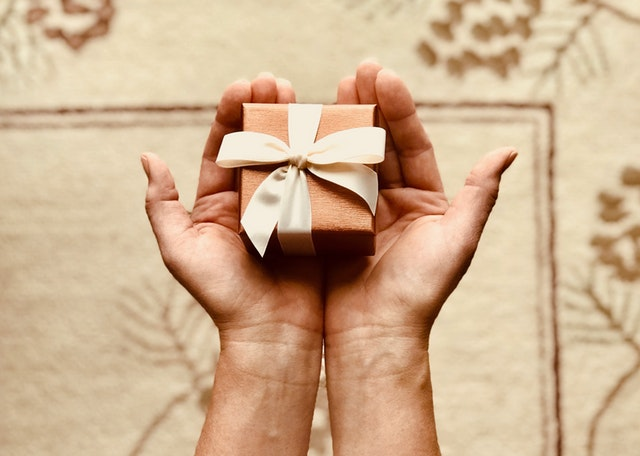 Top 10 Best Long Distance Relationship Gifts for Him or Her